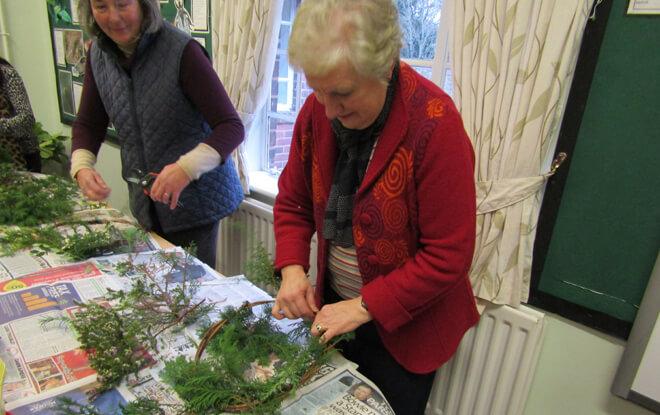 community-group-activities-craft